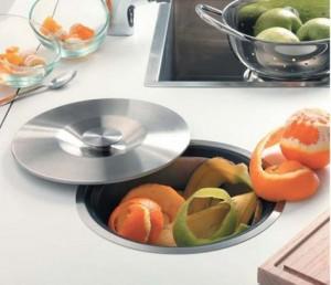 Pr server la d co de sa cuisine avec les poubelles for Poubelle cuisine encastrable dans plan de travail