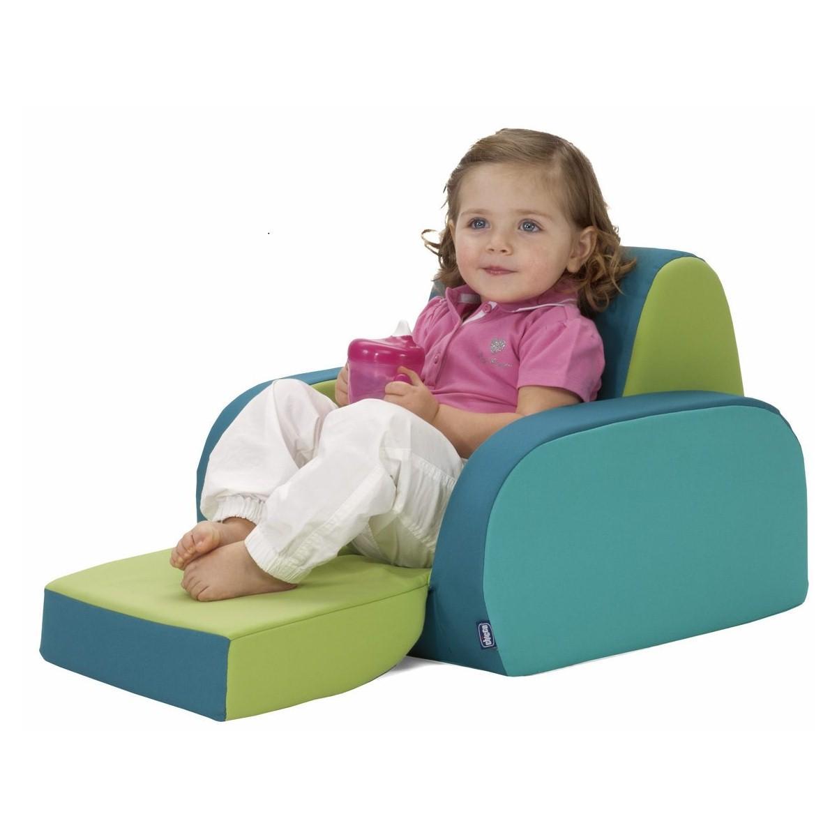 Fauteuil chambre petite fille for Petit fauteuil pour chambre